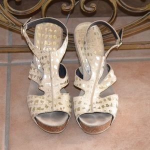 Donald J Pliner Off White Leather Wedge